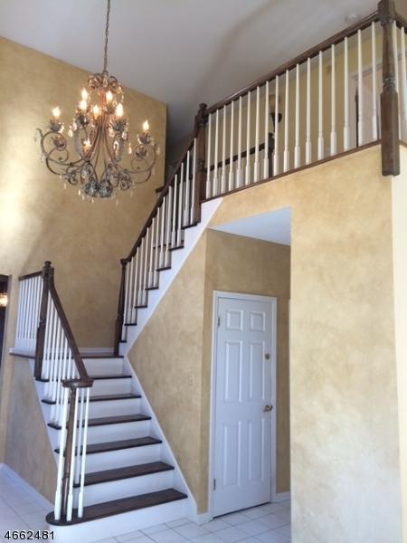 独户住宅 为 销售 在 12 Magnolia Lane Warren, 新泽西州 07059 美国