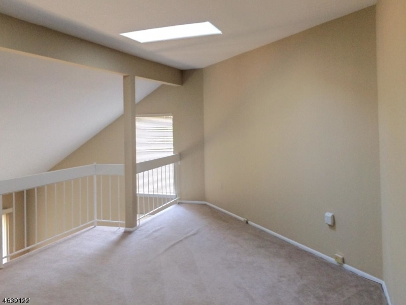 Additional photo for property listing at 64 Sycamore Court  Basking Ridge, Nueva Jersey 07920 Estados Unidos