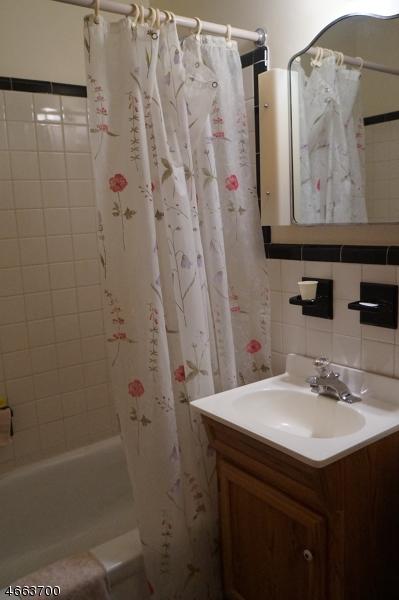 Additional photo for property listing at 742 Fay Avenue  Elizabeth, 新泽西州 07202 美国