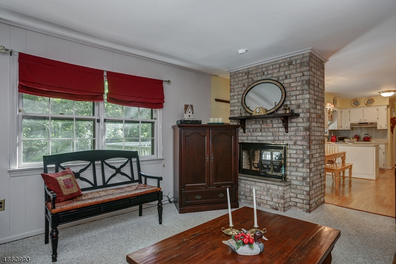 Additional photo for property listing at 142 Crescent Road  Florham Park, Нью-Джерси 07932 Соединенные Штаты
