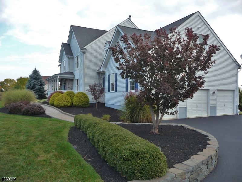 Additional photo for property listing at 1 Kentview Court  Flemington, New Jersey 08822 États-Unis