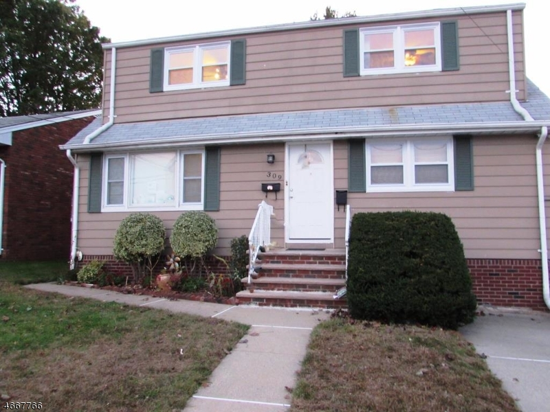 Частный односемейный дом для того Аренда на 309 1st Street Saddle Brook, Нью-Джерси 07663 Соединенные Штаты
