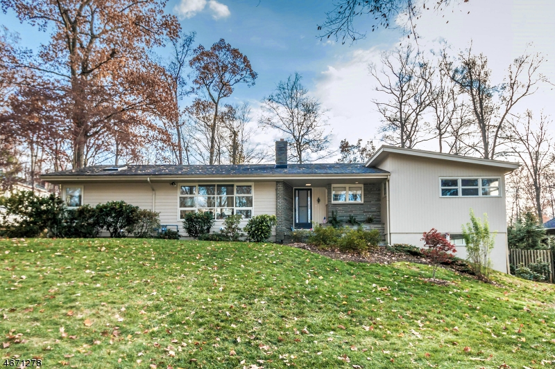 Maison unifamiliale pour l à louer à 29 Plymouth Drive Berkeley Heights, New Jersey 07922 États-Unis