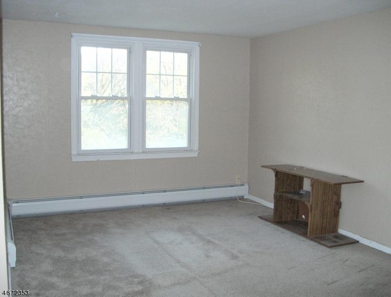 Casa Unifamiliar por un Alquiler en 382 High Mountain Road Haledon, Nueva Jersey 07508 Estados Unidos