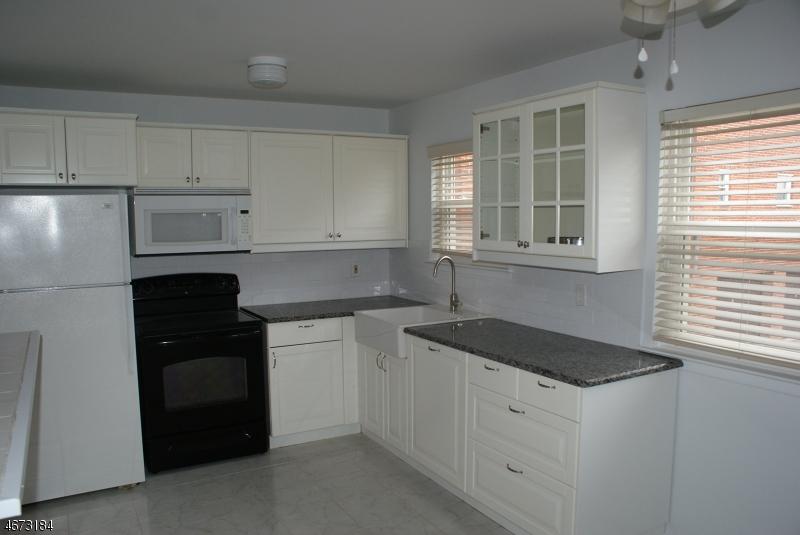 Casa Unifamiliar por un Alquiler en 322 Richard Mine Rd K6 Wharton, Nueva Jersey 07885 Estados Unidos