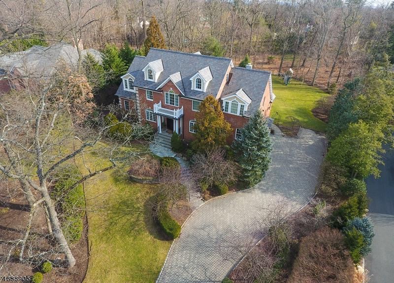 Maison unifamiliale pour l Vente à 285 HARTSHORN Drive Short Hills, New Jersey 07078 États-Unis