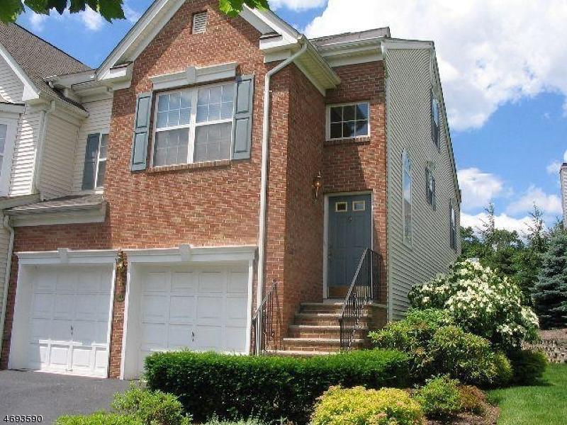 Maison unifamiliale pour l à louer à 313 Winthrop Drive Nutley, New Jersey 07110 États-Unis
