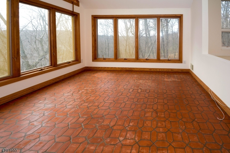 Additional photo for property listing at 5 Apache Way  Montville, New Jersey 07045 United States