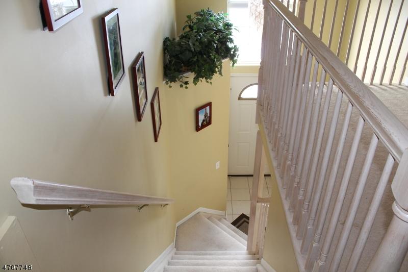 Casa Unifamiliar por un Alquiler en 19 Whitehead Road Bridgewater, Nueva Jersey 08807 Estados Unidos