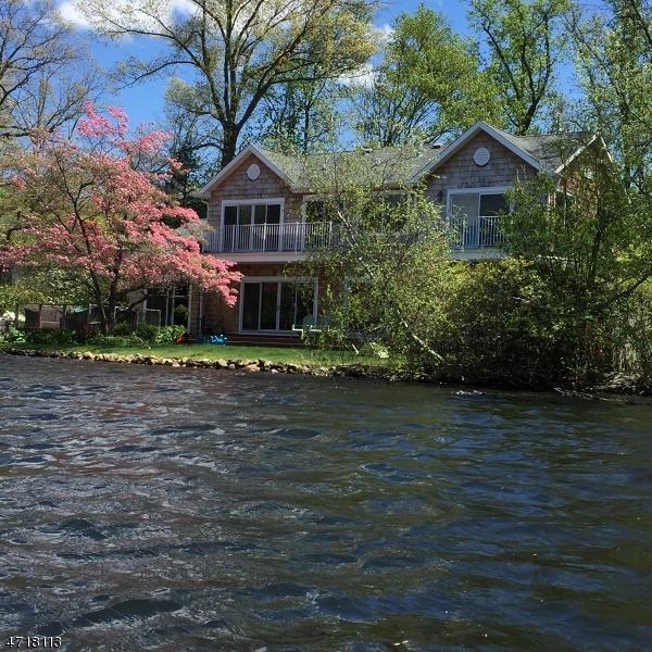 Maison unifamiliale pour l Vente à 19 E SHORE Road Mountain Lakes, New Jersey 07046 États-Unis