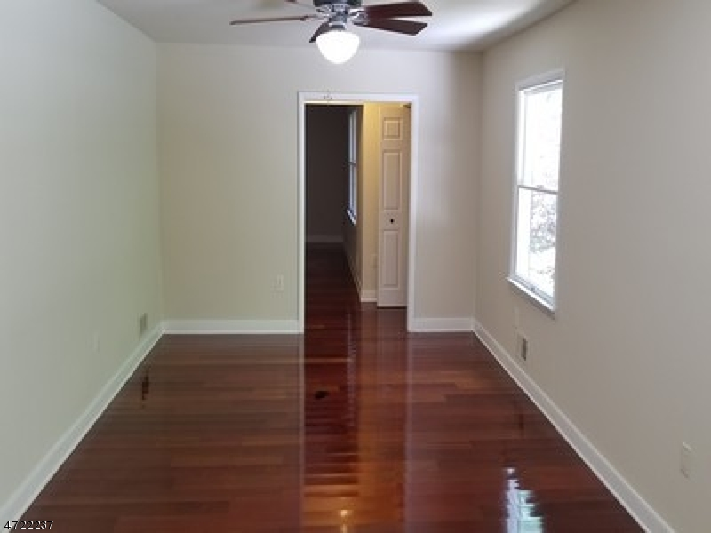 Additional photo for property listing at 8 Glenn Avenue  Glen Gardner, Nueva Jersey 08826 Estados Unidos