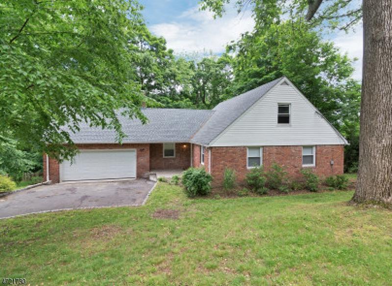 Casa Unifamiliar por un Alquiler en 8 Tara Lane Montville, Nueva Jersey 07045 Estados Unidos