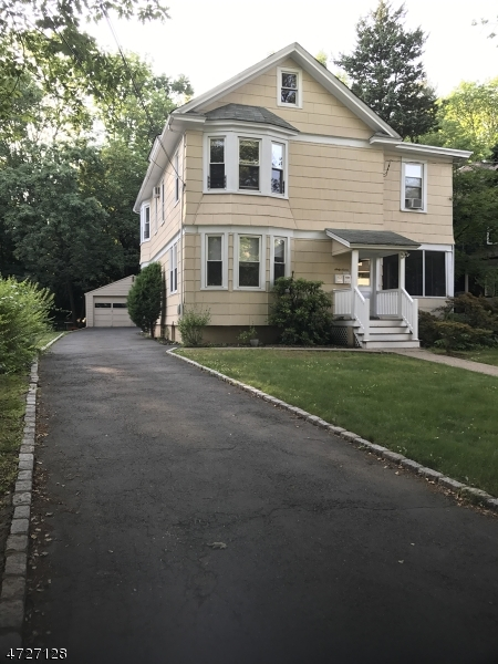 Casa Unifamiliar por un Alquiler en 67 Dunnell Road Maplewood, Nueva Jersey 07040 Estados Unidos