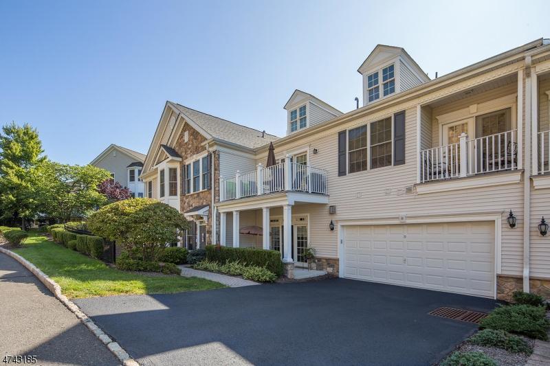 Einfamilienhaus für Verkauf beim 77 QUARRY Drive 77 QUARRY Drive Woodland Park, New Jersey 07424 Vereinigte Staaten