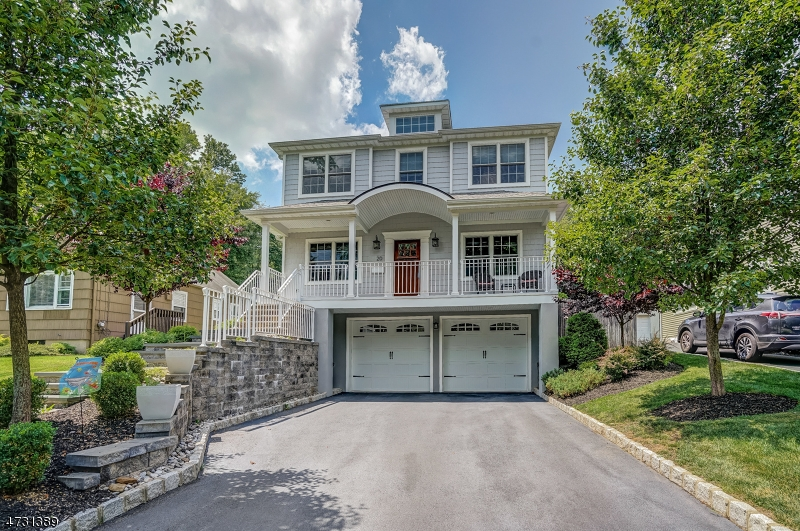 Single Family Home for Sale at 20 Riverside Drive 20 Riverside Drive Florham Park, New Jersey 07932 United States