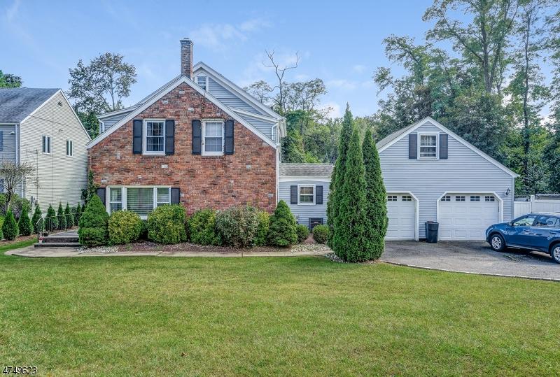Частный односемейный дом для того Продажа на 1523 Long Meadow Mountainside, Нью-Джерси 07092 Соединенные Штаты
