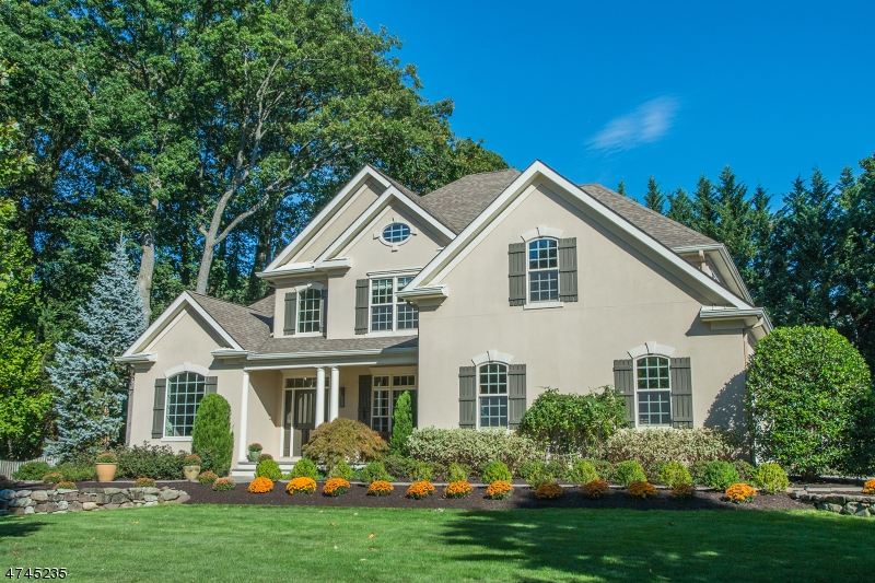 Casa Unifamiliar por un Venta en 3 Stonebridge Court Montclair, Nueva Jersey 07042 Estados Unidos