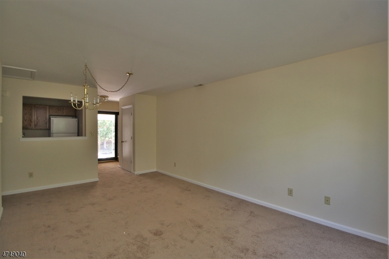 Additional photo for property listing at 14 Rolling Hill Road 14 Rolling Hill Road Clinton, New Jersey 08809 États-Unis