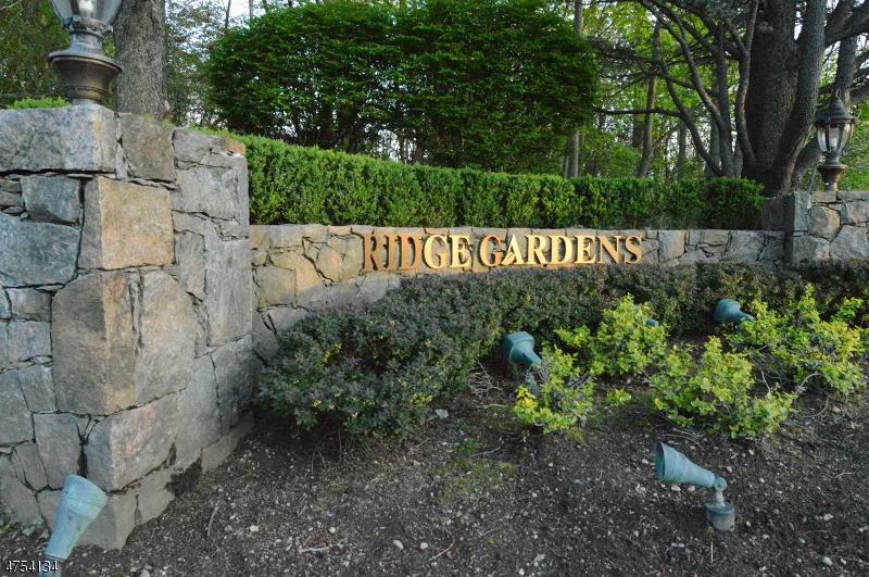 Частный односемейный дом для того Аренда на 2102 Hawthorne Lane Mahwah, Нью-Джерси 07430 Соединенные Штаты