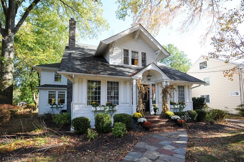 独户住宅 为 销售 在 69 S Highwood Avenue 格伦洛克, 新泽西州 07452 美国
