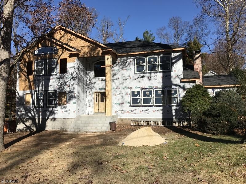 واحد منزل الأسرة للـ Sale في 4 Winding Way 4 Winding Way Caldwell, New Jersey 07006 United States