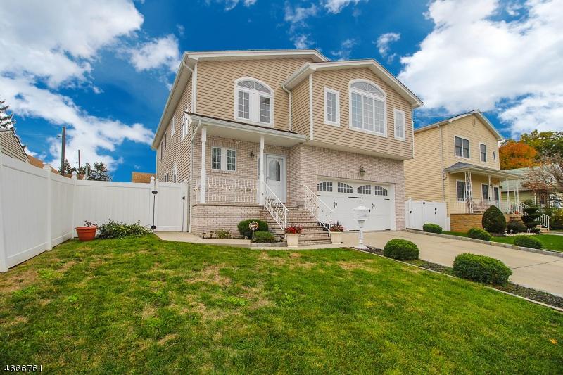 獨棟家庭住宅 為 出售 在 115 Berwood Drive Linden, 新澤西州 07036 美國