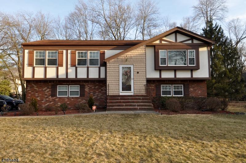 Casa Unifamiliar por un Venta en 55 Davenport Avenue Roseland, Nueva Jersey 07068 Estados Unidos