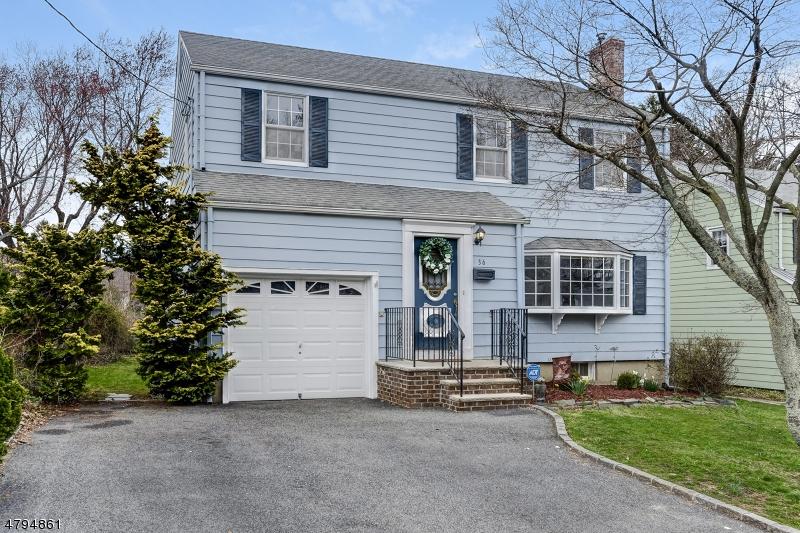 Nhà ở một gia đình vì Bán tại 36 Young Avenue Cedar Grove, New Jersey 07009 Hoa Kỳ
