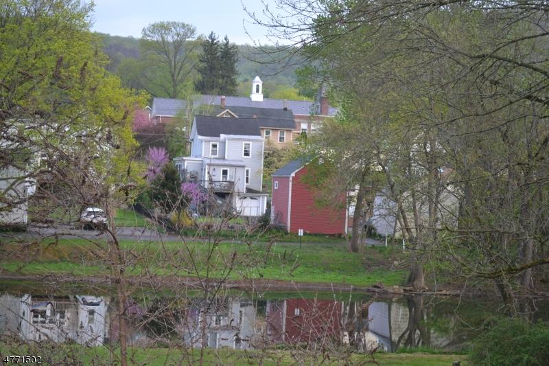 Villa per Vendita alle ore 36 Brunswick Avenue Bloomsbury, New Jersey 08804 Stati Uniti