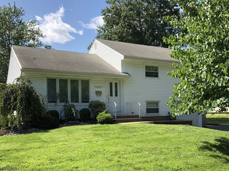 Single Family Home for Sale at 1607 CORNELL Drive Linden, New Jersey 07036 United States