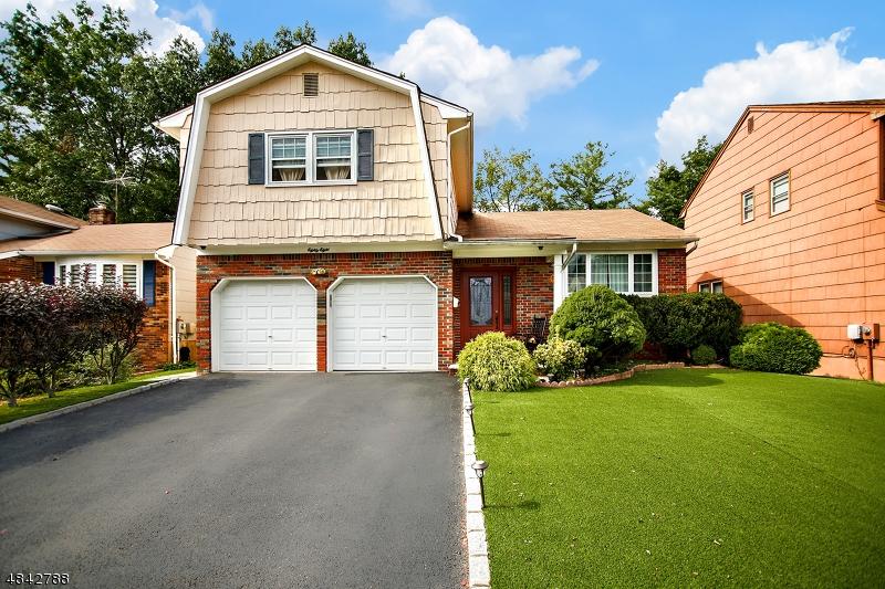 Nhà ở một gia đình vì Bán tại 88 REINHOLD TER Union, New Jersey 07083 Hoa Kỳ