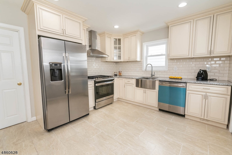 Single Family Home for Sale at 37 CLAREMONT Avenue Bloomfield, New Jersey 07003 United States