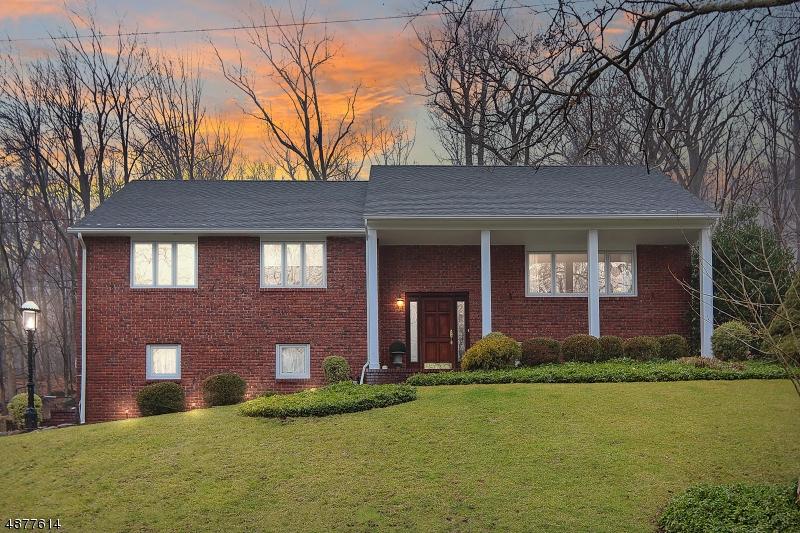 独户住宅 为 销售 在 1177 RIDGE Drive Mountainside, 新泽西州 07092 美国