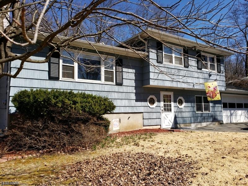 Villa per Vendita alle ore West Milford, New Jersey 07480 Stati Uniti