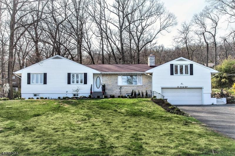 独户住宅 为 销售 在 1098 SUNNY VIEW Road Mountainside, 新泽西州 07092 美国
