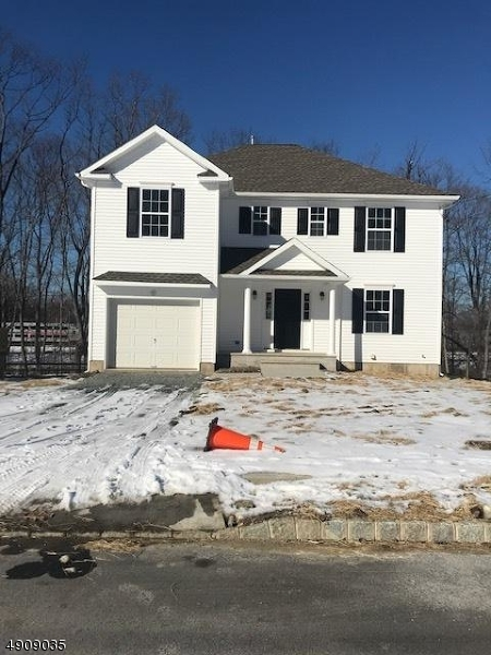 Single Family Homes للـ Sale في 61 RAILROAD Avenue Netcong, New Jersey 07857 United States