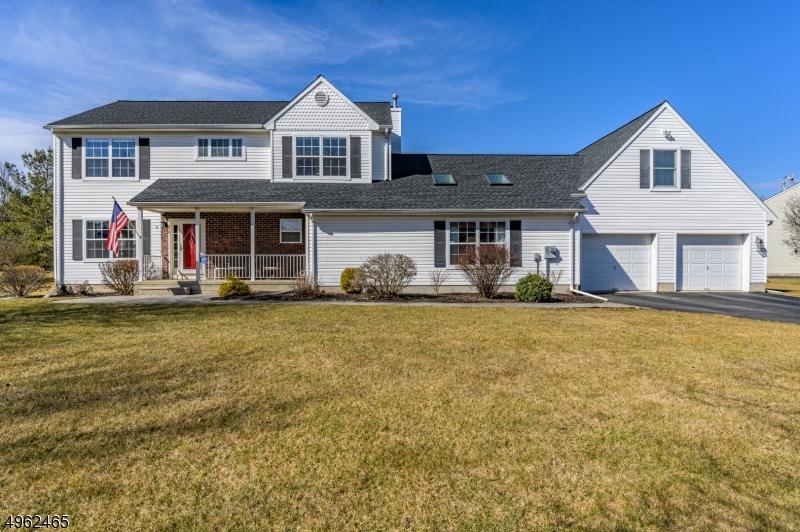 Single Family Homes por un Venta en 9 FLEMMING Place Mansfield, Nueva Jersey 07840 Estados Unidos