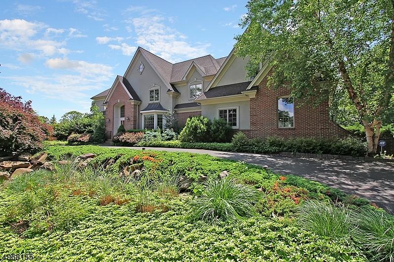 Single Family Homes per Vendita alle ore 15 LOLLER Drive Bridgewater, New Jersey 08836 Stati Uniti