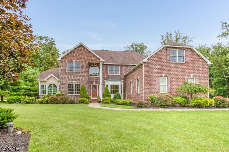 Single Family Homes pour l Vente à Andover, New Jersey 07860 États-Unis