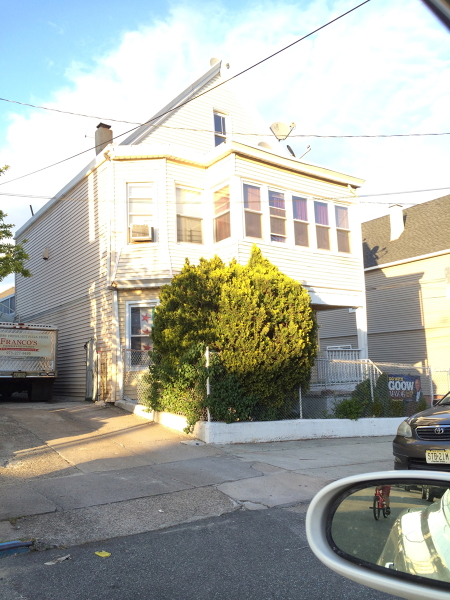 Casa Multifamiliar por un Venta en 339-341 Dakota Street Paterson, Nueva Jersey 07503 Estados Unidos