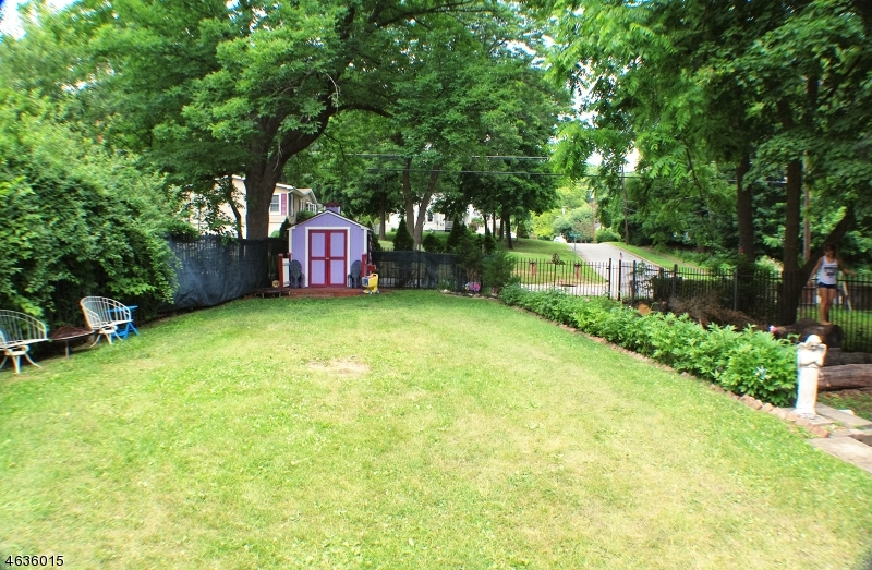 Additional photo for property listing at 15 Wausau Street  Ogdensburg, Нью-Джерси 07439 Соединенные Штаты
