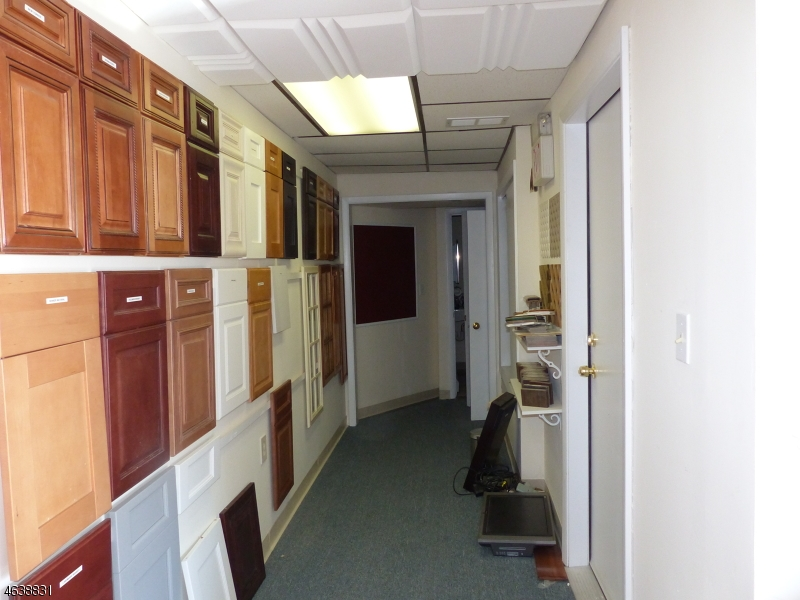 Additional photo for property listing at 788 Bloomfield Avenue  Verona, Nueva Jersey 07044 Estados Unidos