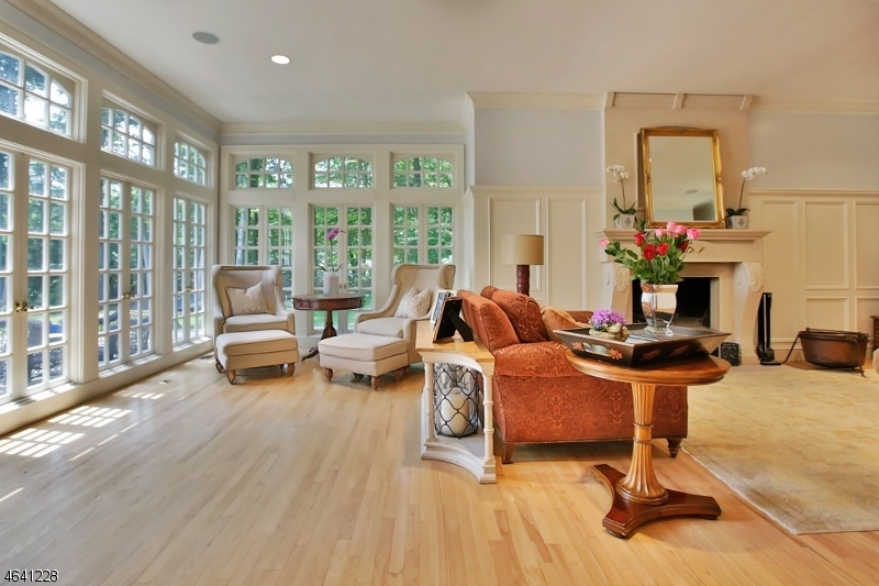 Additional photo for property listing at 27 Pascack Road  Woodcliff Lake, Nueva Jersey 07677 Estados Unidos