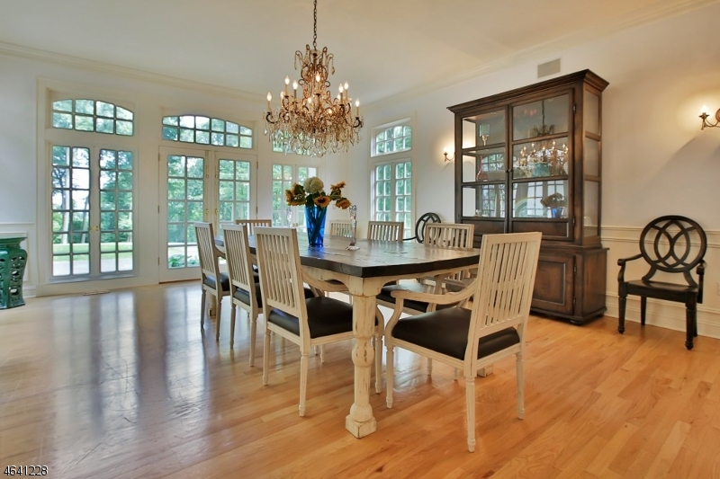 Additional photo for property listing at 27 Pascack Road  Woodcliff Lake, New Jersey 07677 United States