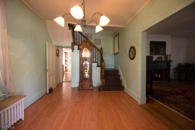 Additional photo for property listing at 46 BARTHOLF Avenue  Pompton Lakes, New Jersey 07442 États-Unis