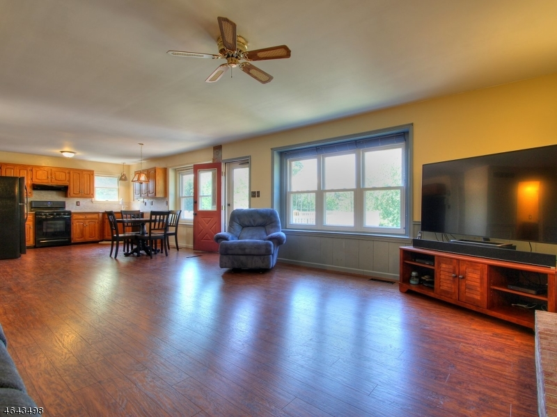 Additional photo for property listing at 9 CRESTVIEW Drive  Milford, New Jersey 08848 États-Unis