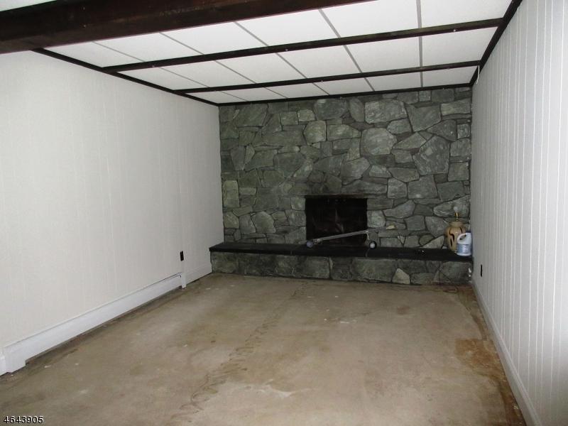 Additional photo for property listing at 15 Sunset Lane  Oak Ridge, New Jersey 07438 United States