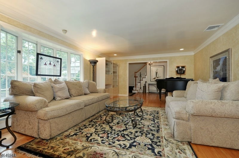 Additional photo for property listing at 994 Woodmere Drive  Westfield, New Jersey 07090 United States