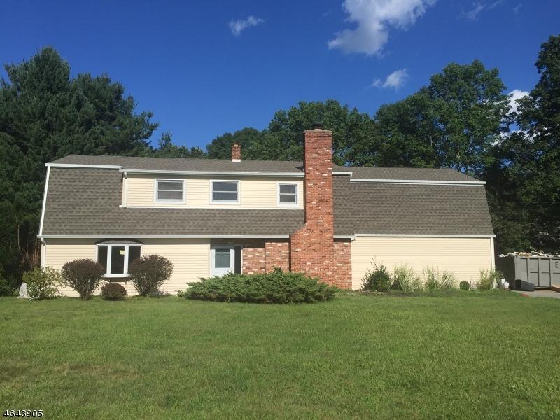独户住宅 为 销售 在 15 Sunset Lane Oak Ridge, 新泽西州 07438 美国