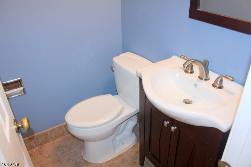 Additional photo for property listing at 30 Cambridge E  Oxford, New Jersey 07863 États-Unis